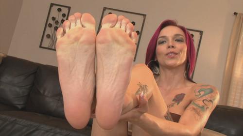 big female feet worship