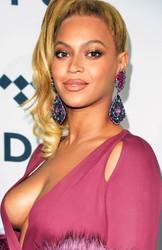 Beyoncé Escote Colosal TidalX 2015 HD